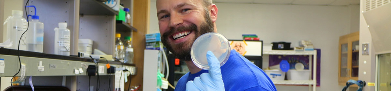 UNC-Institute-of-Marine-Sciences-IMS-Research-Lab-work-Brett-Froelich-Noble-Lab-1200×300