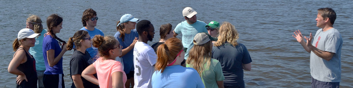 UNC-Institute-of-Marine-Science-IMS-Piehler-students-outside-classroom-photo